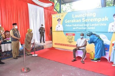 Kota Jambi Sukses Sebagai Tuan Rumah Pencanangan Gerakan Serempak Pekan Vaksin Bagi Lansia
