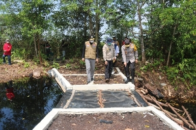 Kapolda Jambi Tinjau Ketersediaan Air di Sekat Kanal